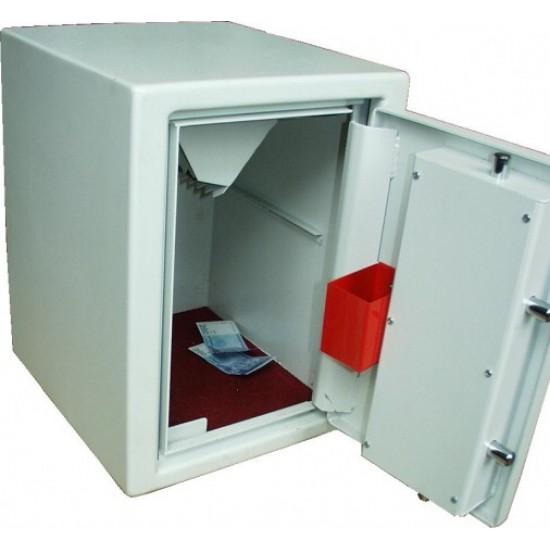 SC tipo seifai su įmetimo įtaisu